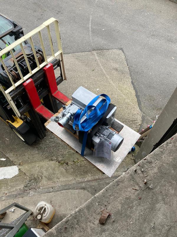 Pump installation lifting